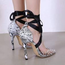 حذاء الراين نمط الأفعى